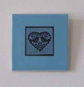 Cropped turquoise heart tile